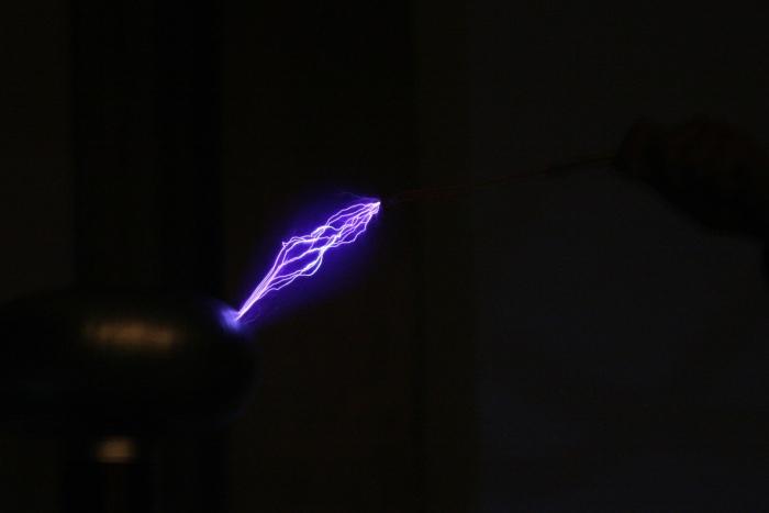 Tesla_KNSF_MK25.jpg